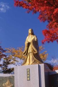 Murasakishikibu Park /紫式部公園紫式部像