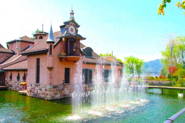 Museum Hutan Musik Kawaguchiko / 河口湖 オ ル ゴ ー ル の 森 美術館