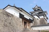 Замок Комине / 小 峰 城